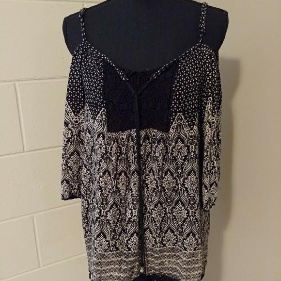 Angie Tops - Beautiful cold shoulder boho top
